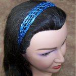 Narrow, square-mesh headband made with thin ribbon